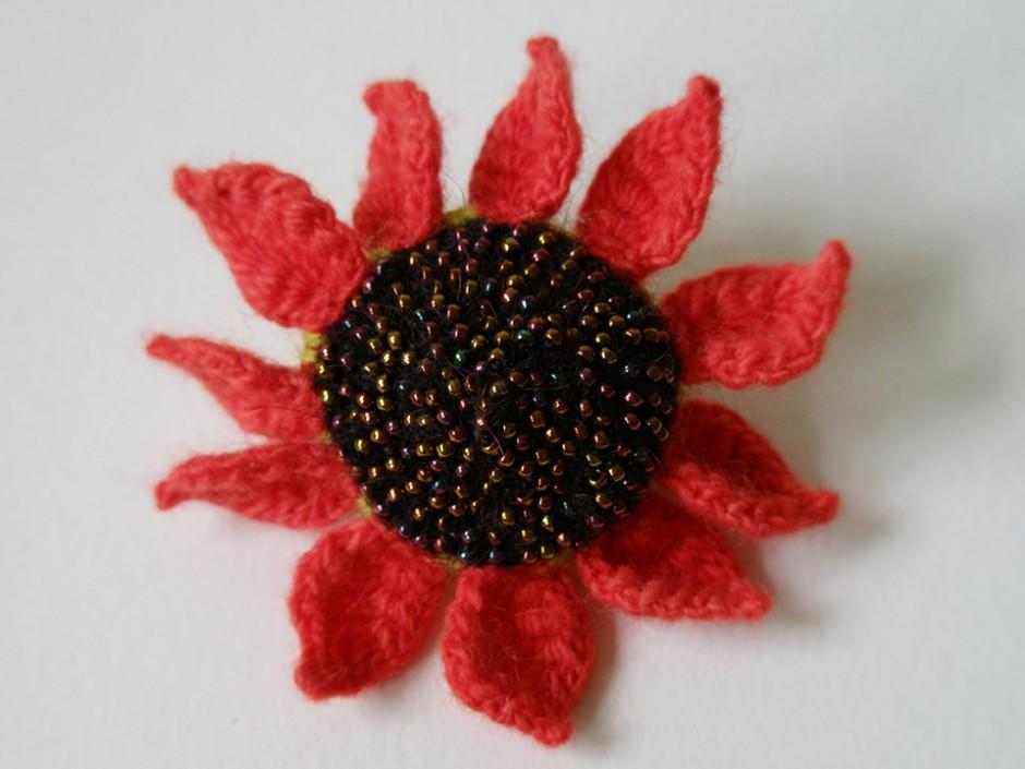 Red Sunflower, ring.  Glass seed beads, merino wool.