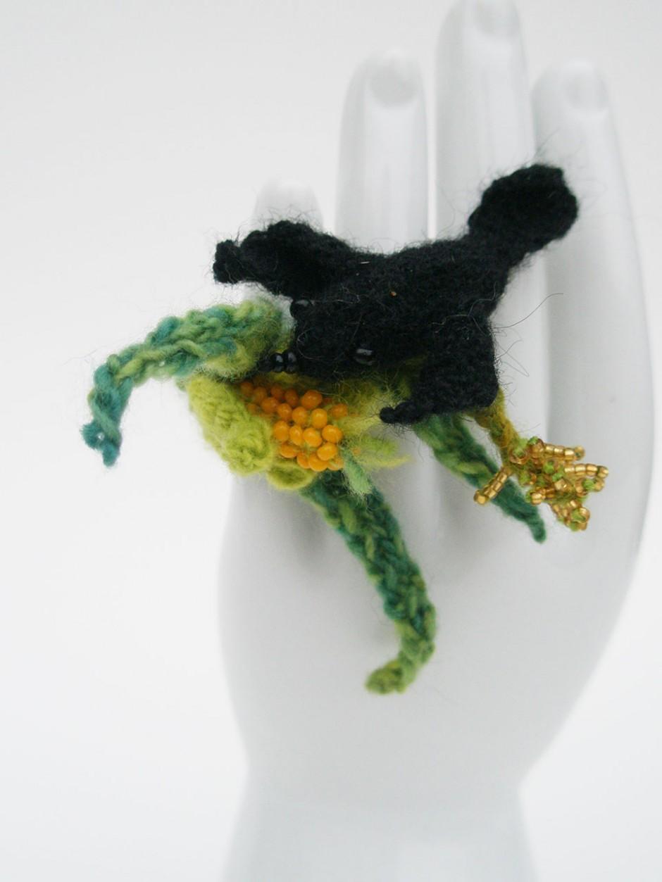 Black Bird with Corn, Ring
